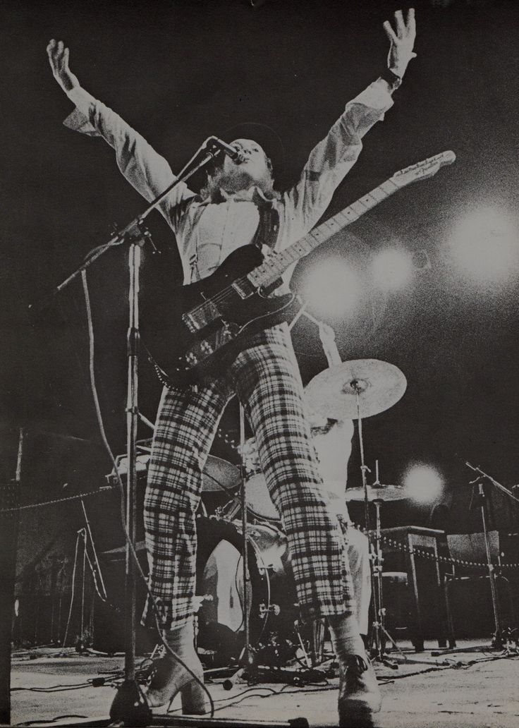 "Noddy Holder ""the man"" #Slade #70s #keeponrockin"