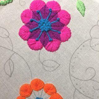 Video tutorial de varios puntos de bordado mexicano y bordado peruano. Dos patrones gratis para imprimir y bordar.