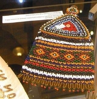 Накосник в трусском традиционном костюме