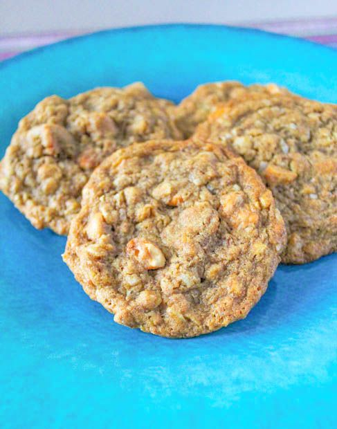 Honey Roasted Peanut Butter Oatmeal Scotchies