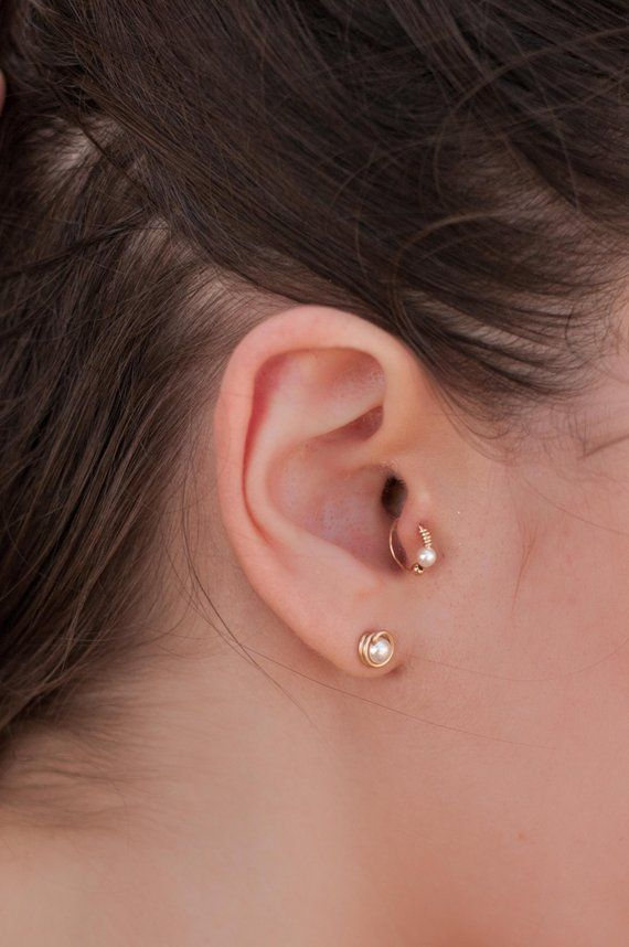 a204d4e43 Pearl Cartilage Piercing Earring, Handmade Pearl Piercing, Silver / Gold  Filled Tragus Earring, Nos