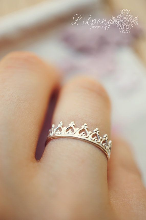 Best 25+ Crown rings ideas on Pinterest | Princess crown ...