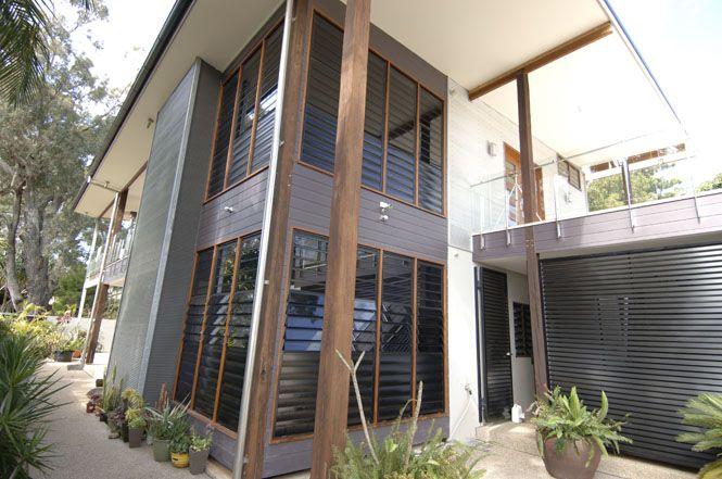 louvre windows in black louvre windows safetyline jalousie glass and aluminium jalousie. Black Bedroom Furniture Sets. Home Design Ideas