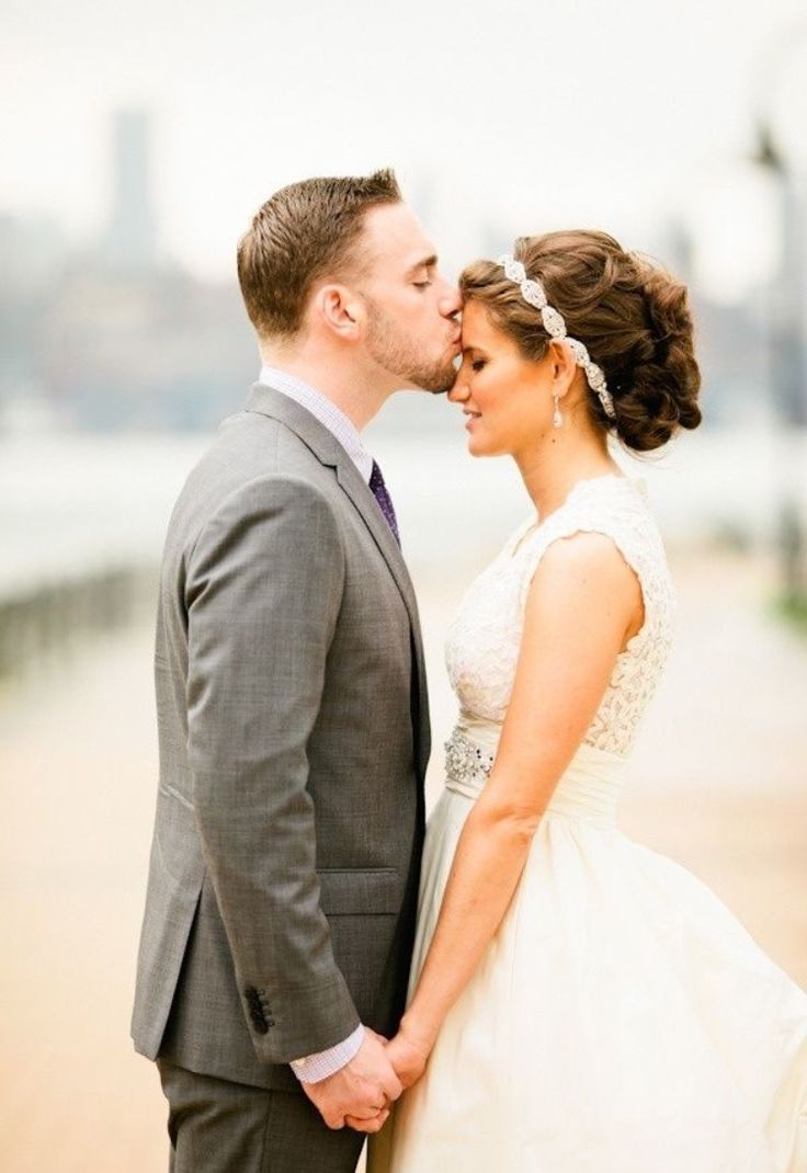 unusual wedding photos ideas%0A    unique wedding photo poses and ideas for your big day   Wedding Party    The forehead kiss