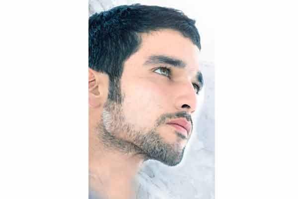 La barba de un hombre es uno de sus mayores atractivos ¿Qué tal servicio de delineación de barba e hidratación facial?