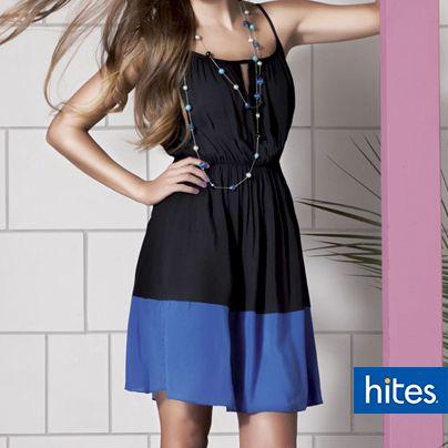 Los vestidos nunca pasan de moda, combínalo con un collar que destaque y deslumbra.