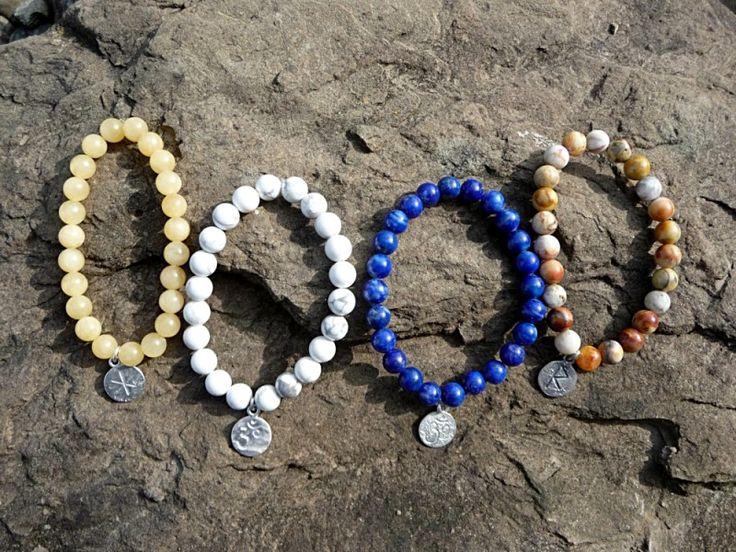 Edelsteinarmbänder mit Symbol