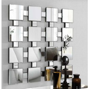 Speil satt sammen av små speil i en spennende kombinasjon.  $3,959.00