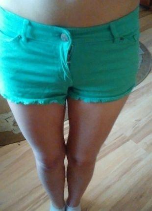 Kup mój przedmiot na #vintedpl http://www.vinted.pl/damska-odziez/dzinsy/14934203-zielone-spodenki-rozmiar-32-cubus