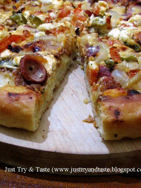 Just Try & Taste: Mudahnya Membuat Pizza: Pizza Sosis & Daging Asap