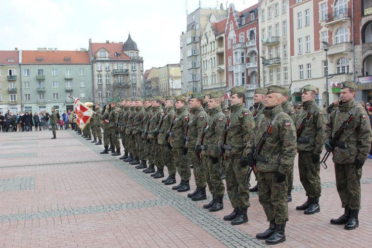 Narodowy Dzień Pamięci Żołnierzy Wyklętych - http://www.wiadomosci24.pl/artykul/bytom_w_holdzie_zolnierzom_wykletym_325487.html