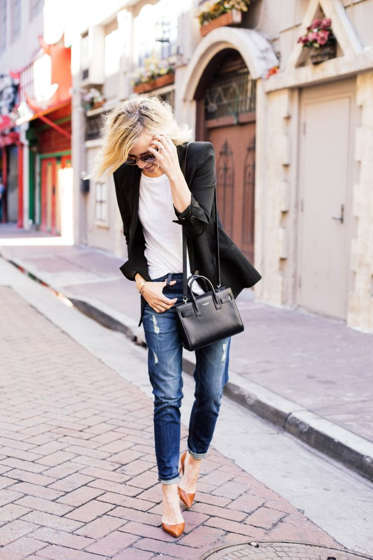 White t shirt express - Jacey Duprie Is Wearing A White T Shirt And Distressed Girlfriend Jeans From Express Blazer From Helmut Lang And The Shoes Are From Manolo Blahnik
