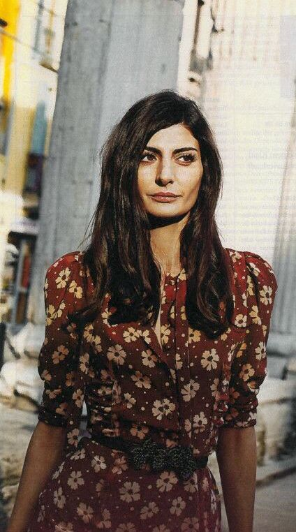 If I had to buy one item this spring/ summer, this floral burgundy dress would be IT! Worn by Italian fashion icon, Giovanna Battaglia. #summer2014 #fashion2014