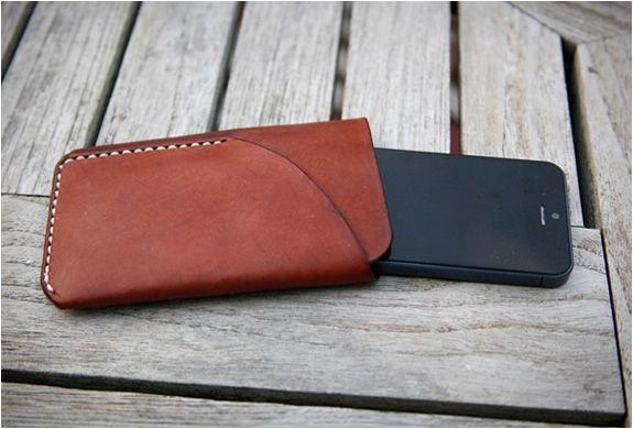 iphone5-handmade-leather-case-2.jpg