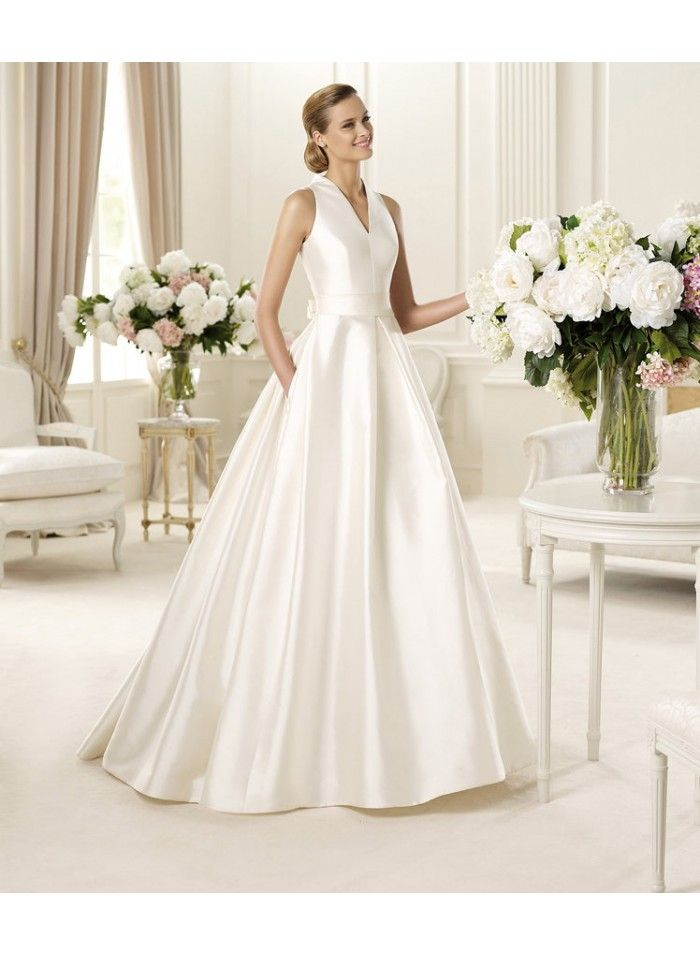 Empire A-line Halter Satin Wedding Dresses WE4174