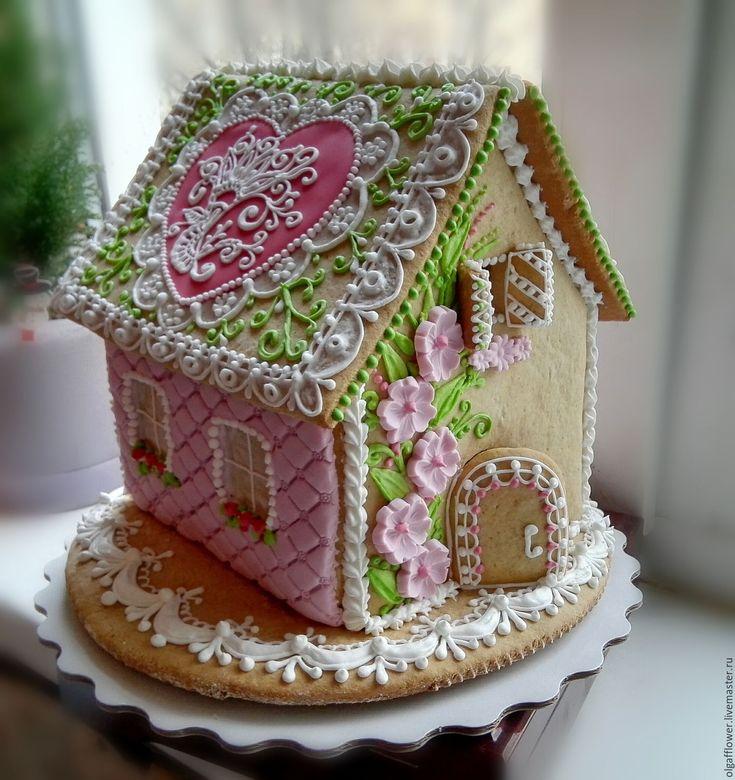 Купить или заказать Пряничный дом ' Дарю свою любовь' в интернет-магазине на Ярмарке Мастеров. Этот пряничный домик, необыкновенно нежный и чувственный, был создан в подарок на День рождения. Изготовлен вкусный сувенир из натуральных продуктов:100%мед, сливочное масло, яйца, мука, и,конечно же, букет специй, характерных для пряников. Украшен домик сахарной глазурью и мастикой. Домик вместе с основанием достаточно большой, поэтому им смело можно заменить праздничный торт и никто из гос...