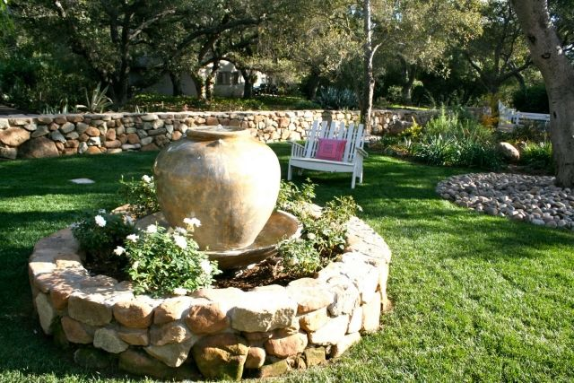 Stone Garden Fountain 30 Ideas For Decorative Ornamental Fountains Decor Ideas For You 2018 Einfache Gartengestaltung Gartendesign Ideen Gartenbrunnen