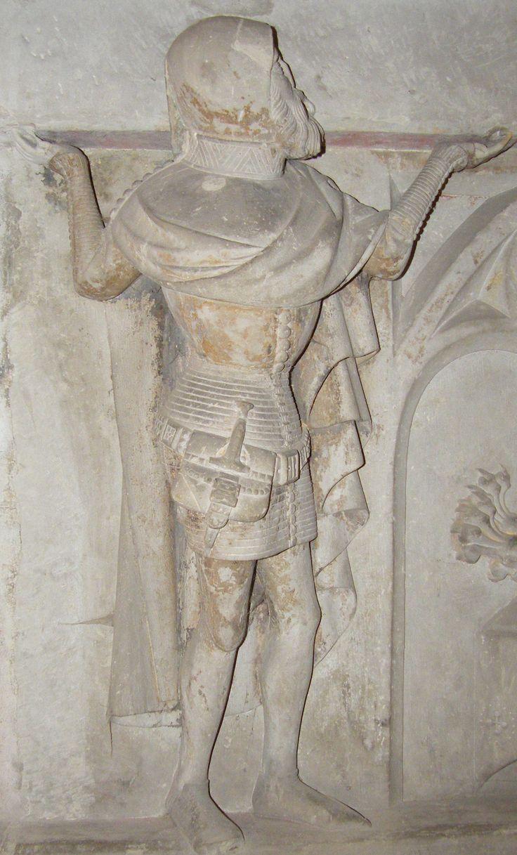Bag, hood, jupon.  Gunter XXV 1368 and wife Elisabeth of Honstein 1381 servant 7    Germany Arnstadt Liebfrauenkirche