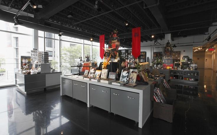 La nouvelle Boutique du Musée est située dans la Maison-des-Marins. | © Photo: Alain Vandal