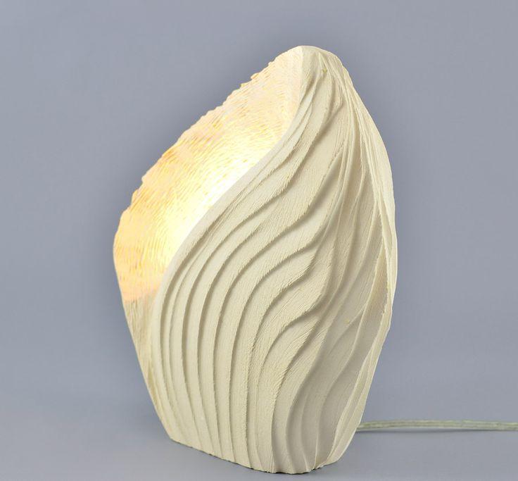 Lampada di design da tavolo in pietra leccese Madrepora   KRISMAKER
