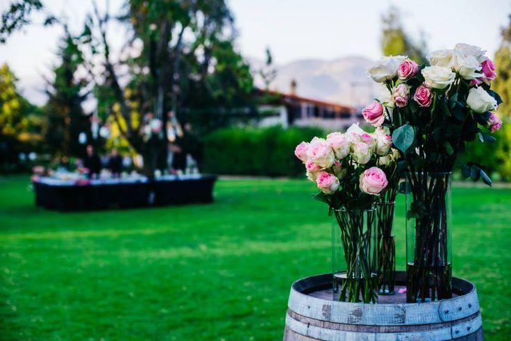 Arreglo de rosas para una ceremonia, colores pasteles, Matrimonio