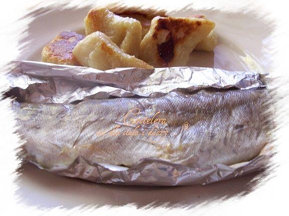 Dieta wątrobowa: pieczony pstrąg w folii