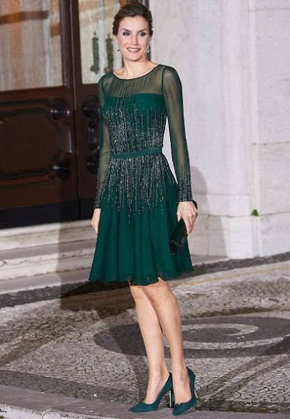 King Felipe of Spain and Queen Letizia of Spain, Portuguese Prime Minister Antonio Costa and his wife Fernanda Maria Goncalves Tadeu attended a official dinner held at the Necessidades Palace (Portuguese: Palácio das Necessidades) on November 29, 2016 in Lisbon, Portugal. Queen Letizia wearsFelipe VarelaDress.