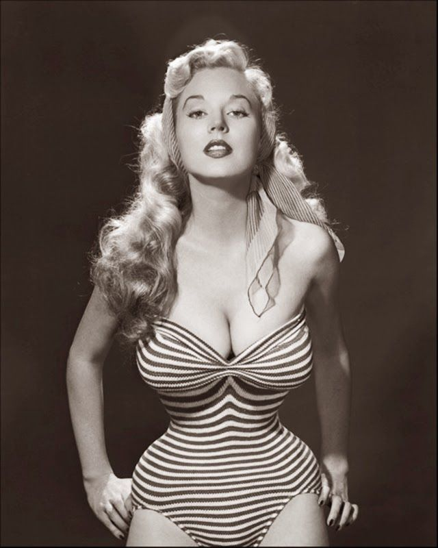 vintage everyday: Beautiful Black and White Photos of Betty Brosmer - The Girl with the Impossible Waist