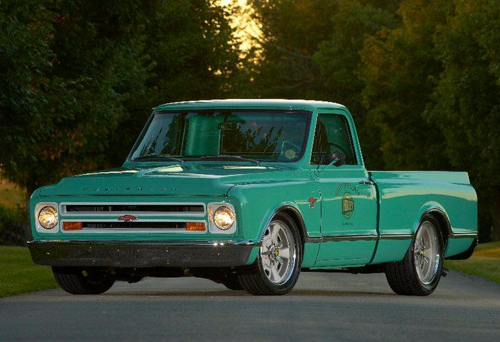Bill Tichenor ran the @Holley Performance 1967 C10 shop truck in the 2010 #OUSCI