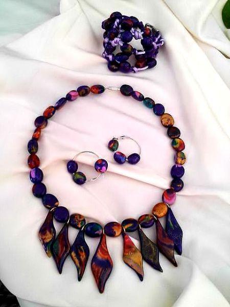 Bisuteria y Complementos, collares, pulseras, pendientes, realizadas en arcilla polimerica, venta al mayor, venta al menor, minorista, mayorista, artesanía