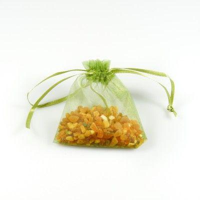 Sachet d'ambre naturel brut dans son sachet d'organza vert - Bijoux d'Ambre