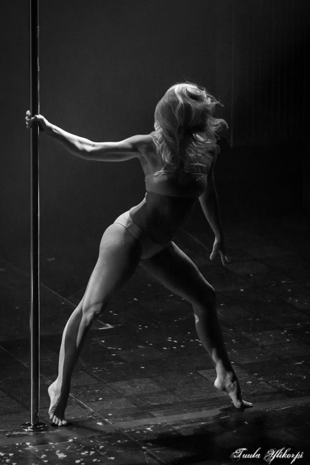 Think this is Michelle Stanek at Pole Art???