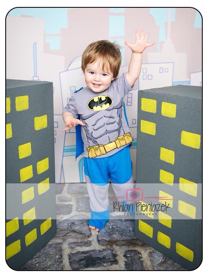 Superhero Mini Session. Batman. Toddler. Rhian Pieniazek Photography.