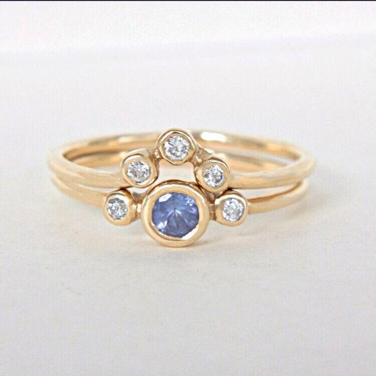 Tanzanite & Diamonds in Yellow Gold 💙