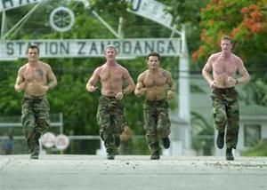 U.S. Navy SEAL training flows into mainstream fitness... http://news.yahoo.com/u-navy-seal-training-flows-mainstream-fitness-090345398.html