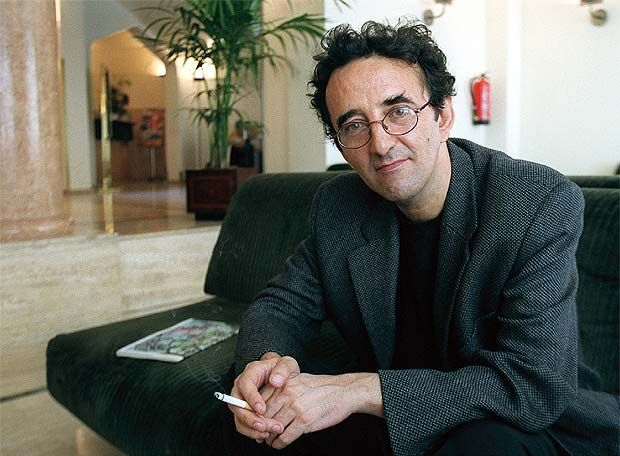 """Chilean writer Roberto Bolaño, author of """"The Savage Detectives,"""" a brilliantly written book about art, life, and love in Latin America."""