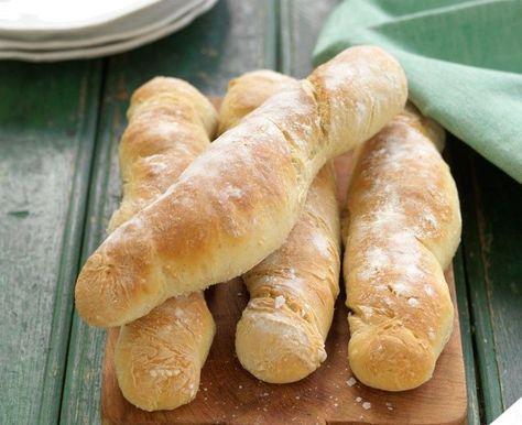 Härliga baguetter som får jäsa i kylen över natten.
