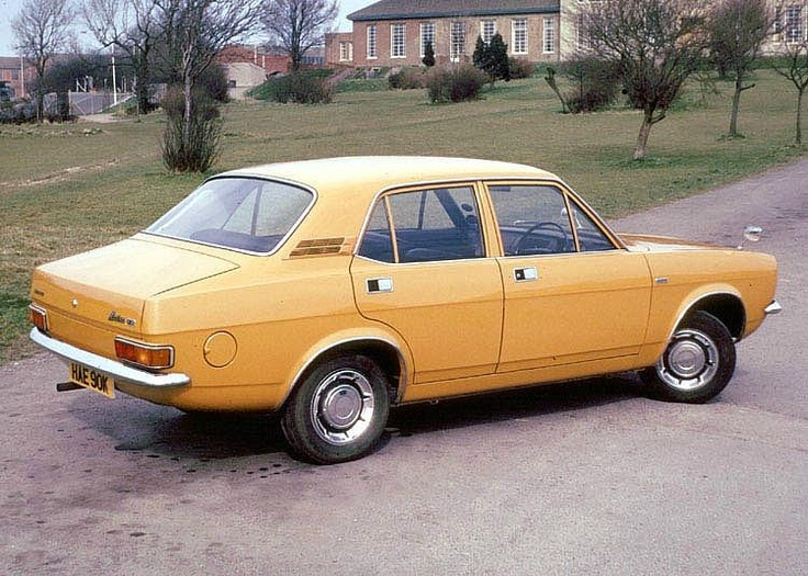 1973 Morris Marina...remember going to Swanage in one like this :D