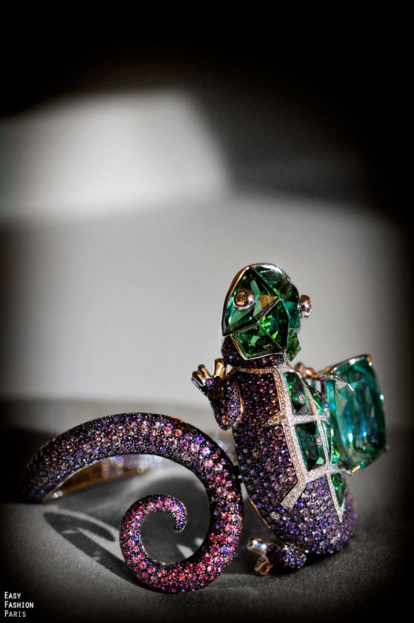 Boucheron chameleon bracelet made of tourmalines, sapphires, and diamonds.