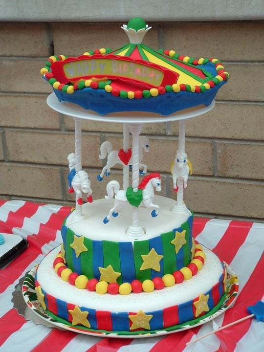 Carousel cake stand and fondant by Wilton