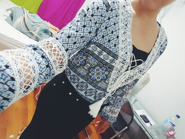 Beautiful gypsie front lace top from ICE ~ 25$ im inlove ♡♡♡