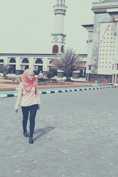 #mesjidrayapku #pns #candid #mosque #raya #pekanbaru #thefirst #thelast #boot #orange #jeans #hijab #hijabstyle #minang