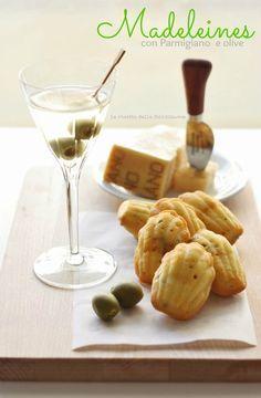 Madeleines salate con parmigiano e olive da La ricetta della felicità, ottime come aperitivo, ricetta gluten free