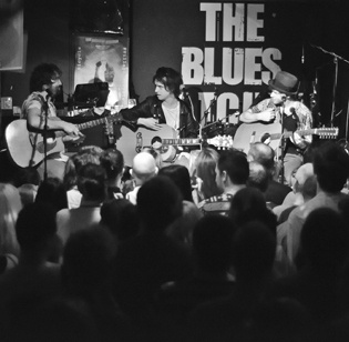 The Blues Kitchen Shoreditch Live Performance Pictures
