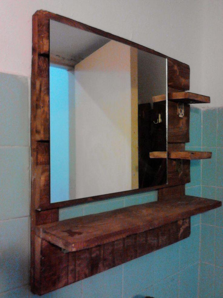 Pallet bathroom mirrow