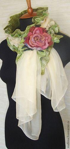 """Шарфы и шарфики ручной работы. Ярмарка Мастеров - ручная работа Шарф из войлока и шифона """"Весна"""" с брошью. Handmade."""