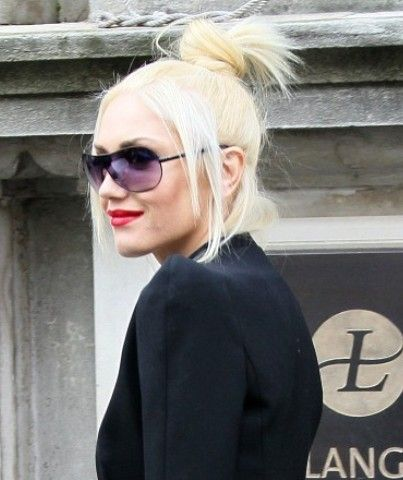 Gwen Stefani Trendy Chignon Hairstyle for Medium Hair