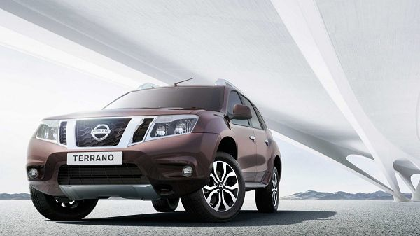 Salah satu mobil yang bisa disewa adalah Nissan Terrano dengan berbagai kelebihannya.