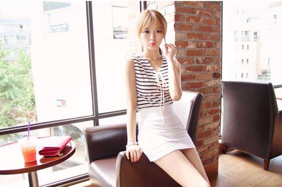 Korea Womens Luxury Shopping Mall [mimindidi] #koreafashionshop #Fashionwomen #korea #dailylook #dailyfashion #outer #tops #blouse #knit #cardigan #dress #skirt #pants #bag #shoes #acc #summerwear #koreafashion #tops #simpletops #summertops #stripedtops Soft and pudding  / Size : Free / Price : 23.76 USD