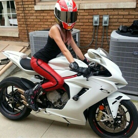 Sport bike girl.. Love the bike,
